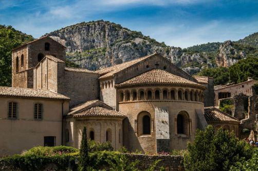 Mausolei foto 1 Abbaye_de_Gellone.jpg