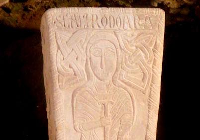 Mausolei foto 14 Chrodoara sarcophage détail.jpg